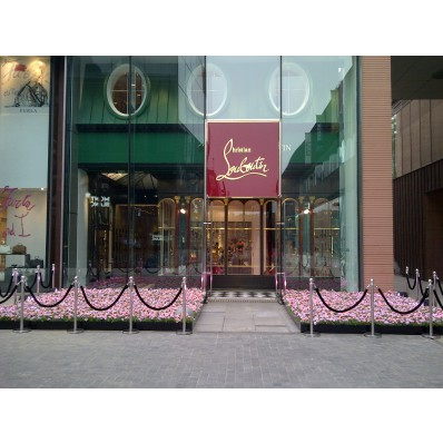 louboutin champs elysees adresse