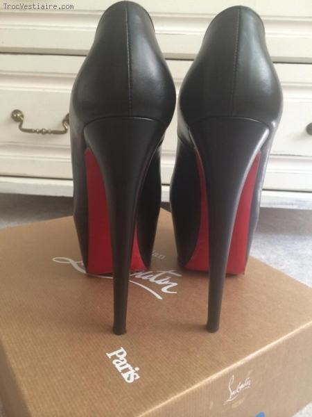 chaussure louboutin femme occasion