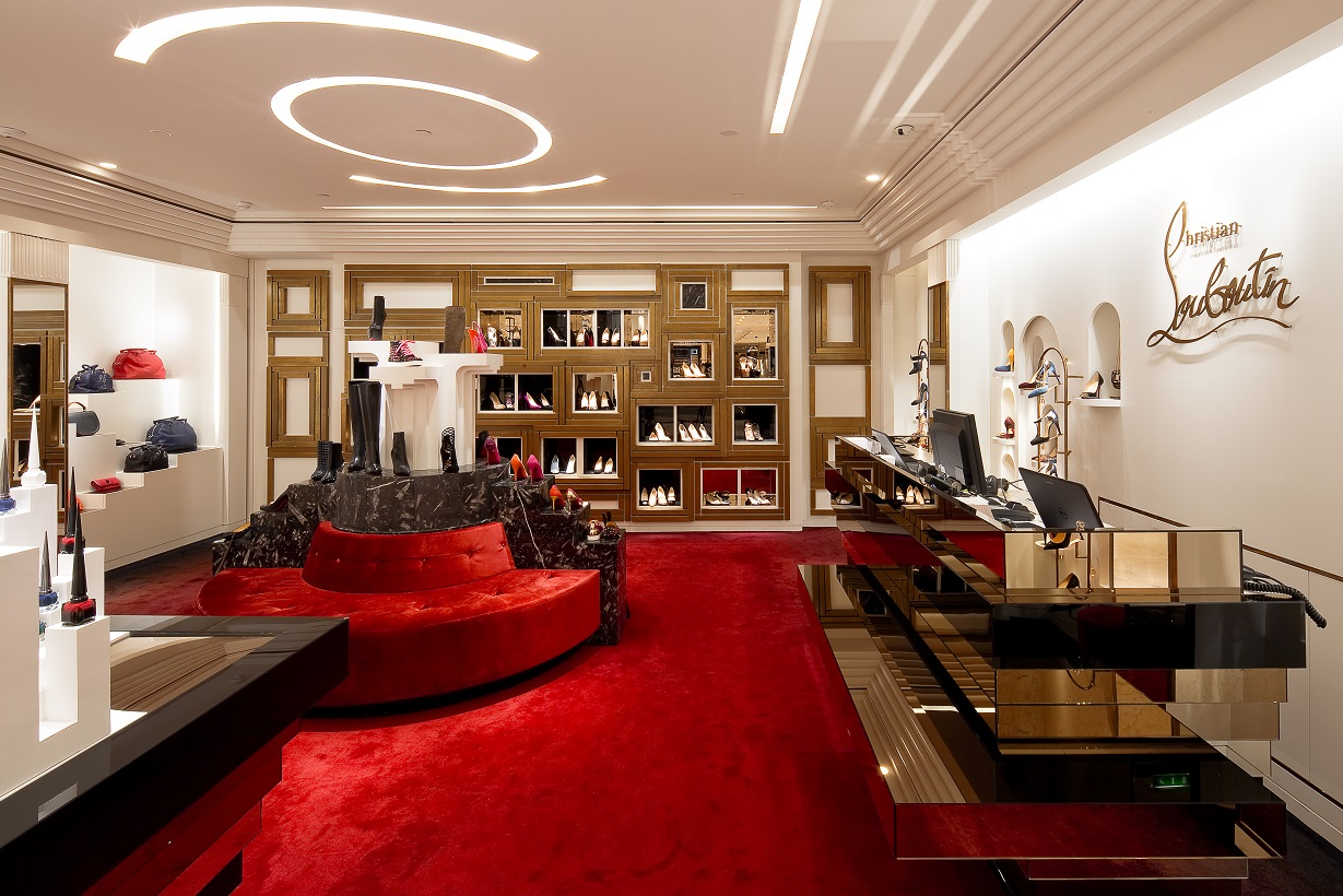 louboutin boutique a paris